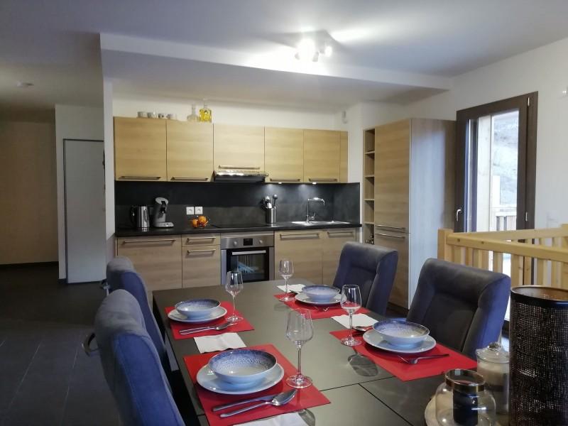 Appartement OROUGE B 001,  Cuisine Châtel
