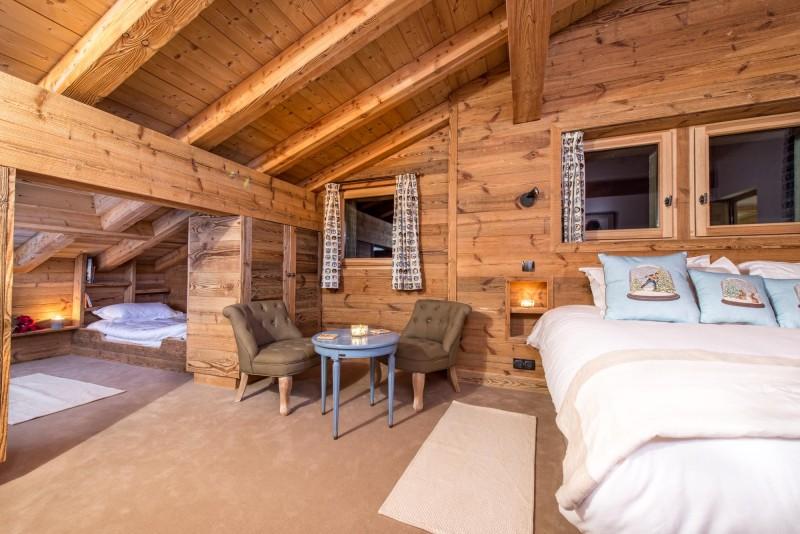 blue-bedroom-2-3498119