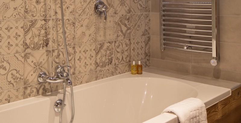 chalet-clarines-bath-3500832
