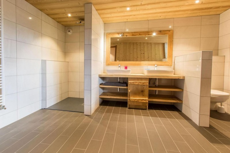 Chalet CREUX DU NANT salle de bain à Châtel