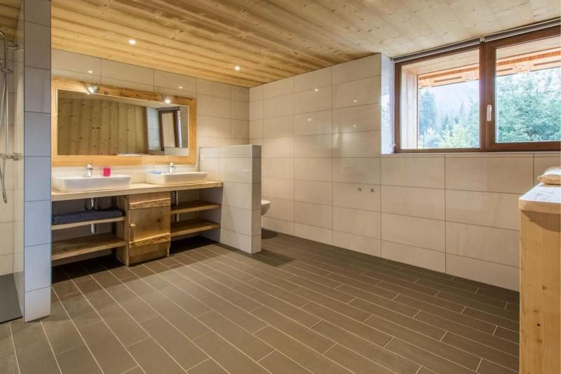 Chalet CREUX DU NANT salle de bain Châtel