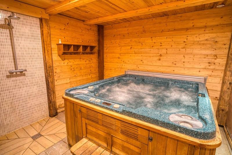 Chalet La Cascade jacuzzi Châtel Haute Savoie