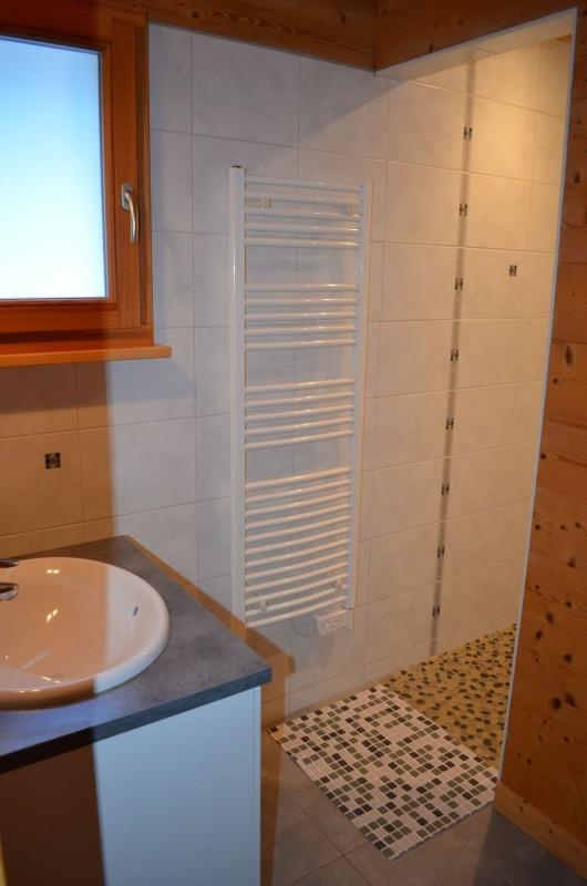 Chalet le ramoneur savoyard, Salle de douche à l'italienne, Châtel