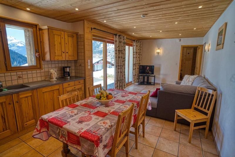 chalet les deux vallées salle à manger Châtel 74 Haute Savoie