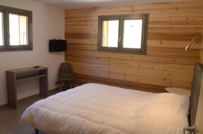 Chalet les sources, chambre 1 lit double au rez de chaussée, Châtel