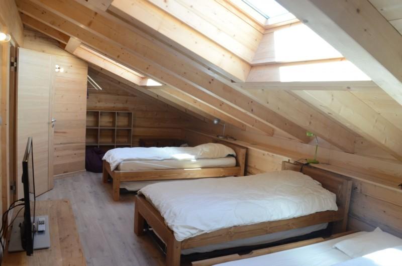 Chalet les sources, chambre 2 lits simples + 1 lit gigogne à l'étage, Châtel Portes du Soleil