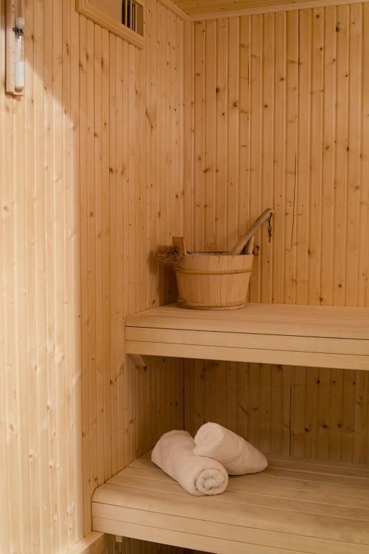 sauna-13-3503549
