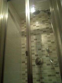 shower-room-9376