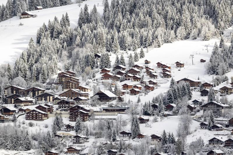 Village de Châtel en hiver, location petit chatel, ©l-meyer